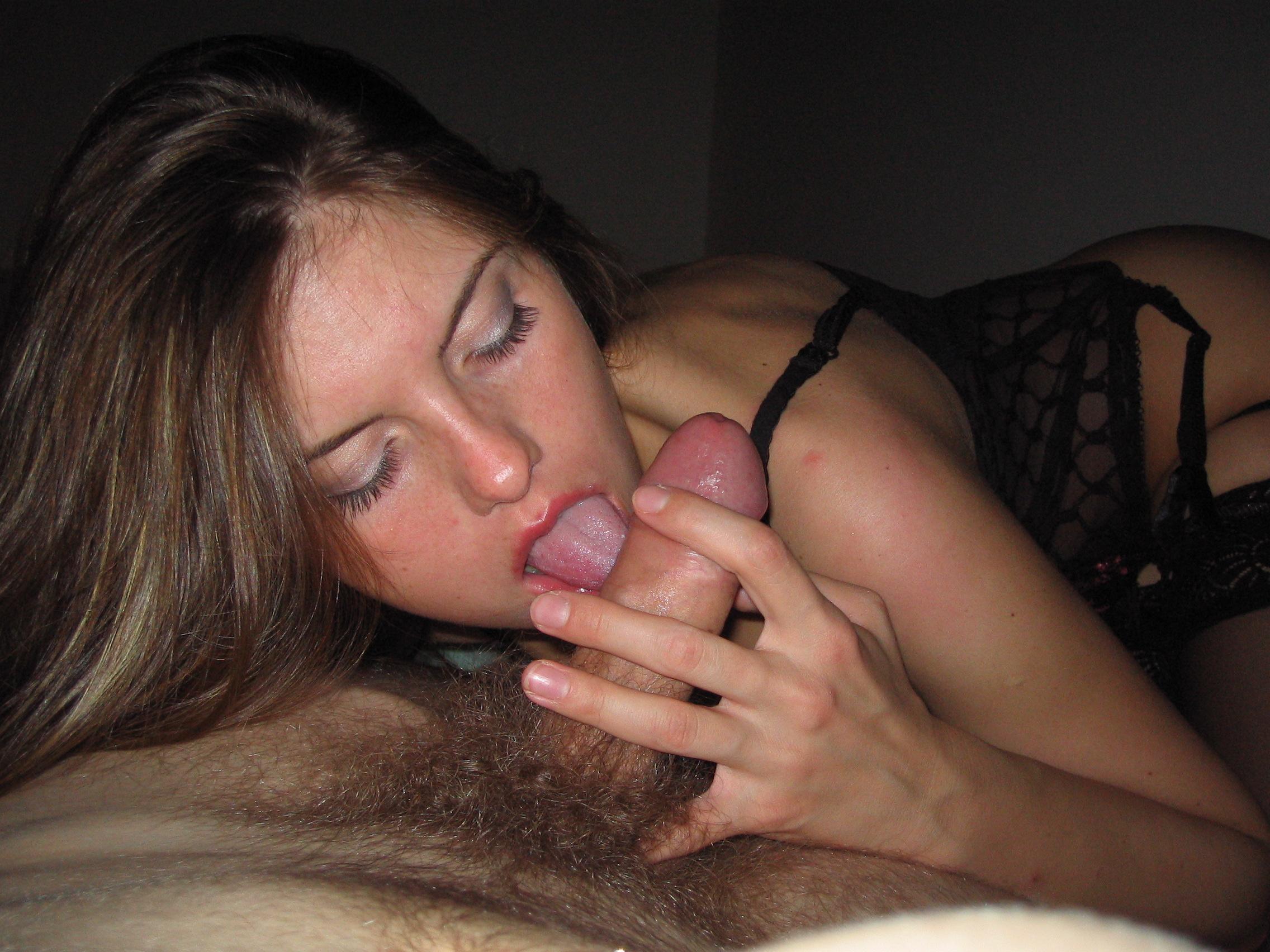 Сосать голая грудь 2 фотография