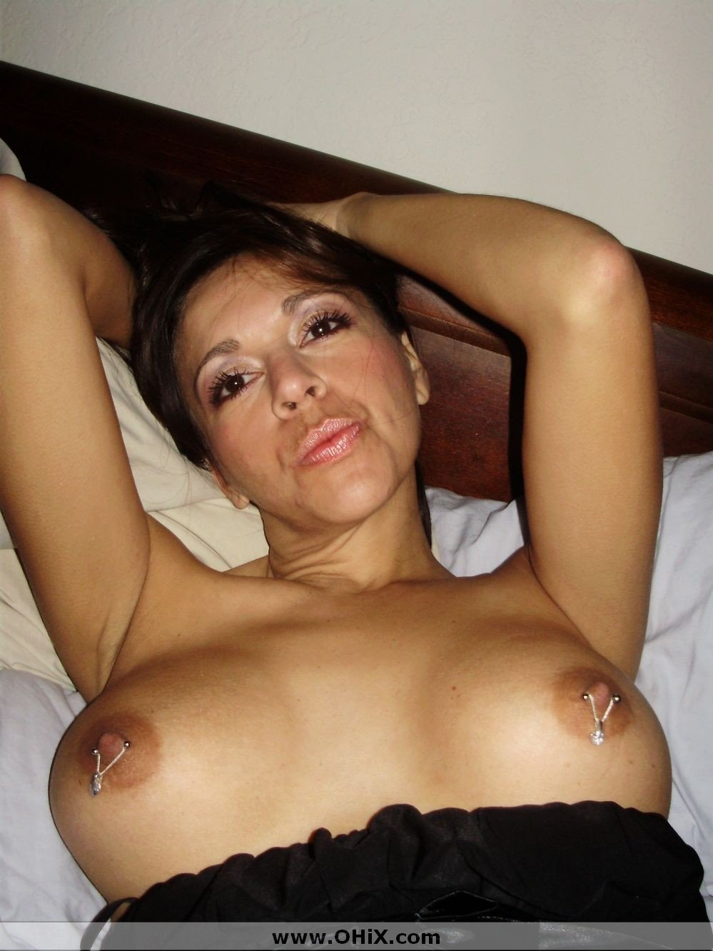 http://static.ohix.com/photos/Mature-brune-bronzee-3/15.jpg