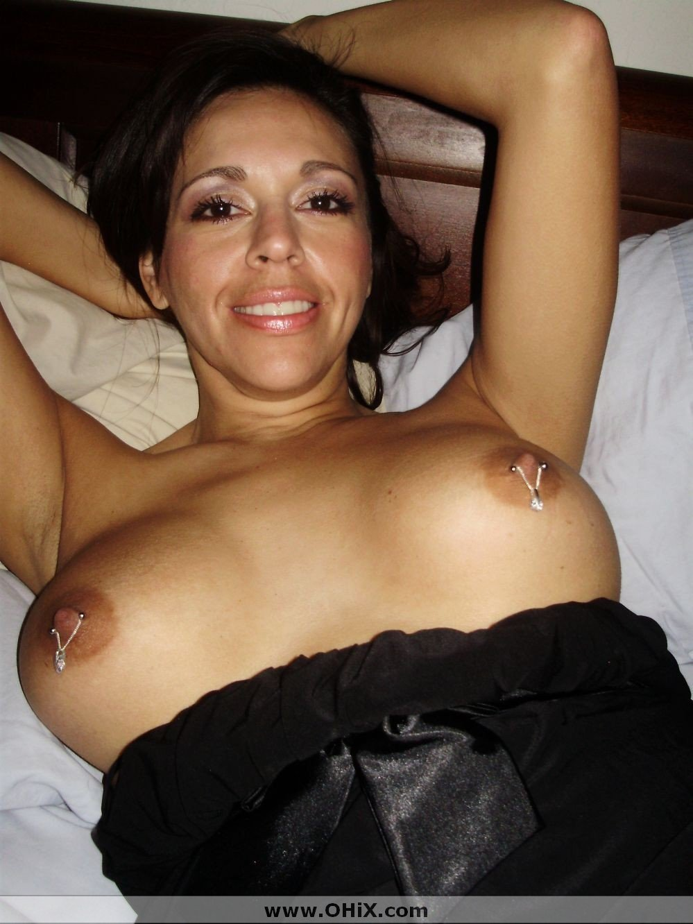 http://static.ohix.com/photos/Mature-brune-bronzee-3/17.jpg