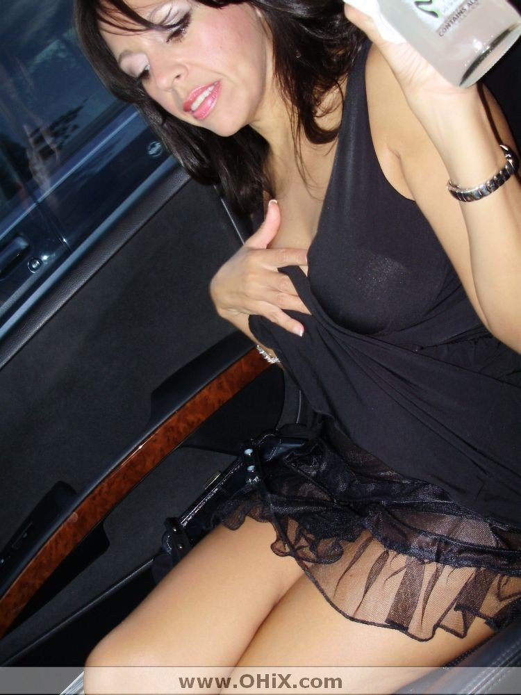http://static.ohix.com/photos/Mature-brune-bronzee-6/1.jpg