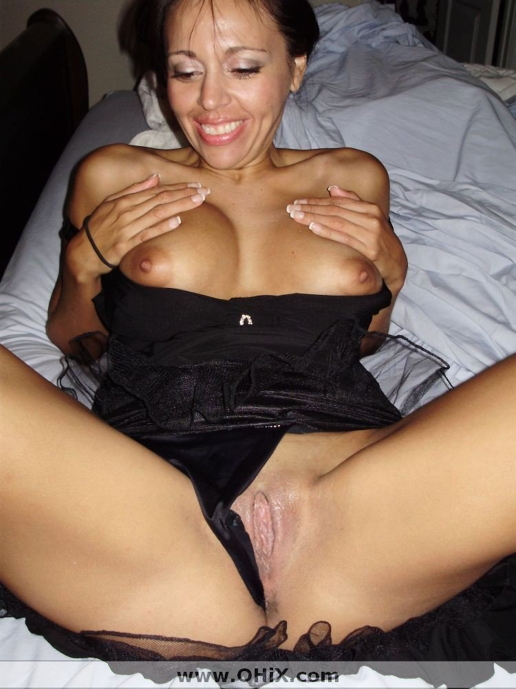 http://static.ohix.com/photos/Mature-brune-bronzee-6/16.jpg