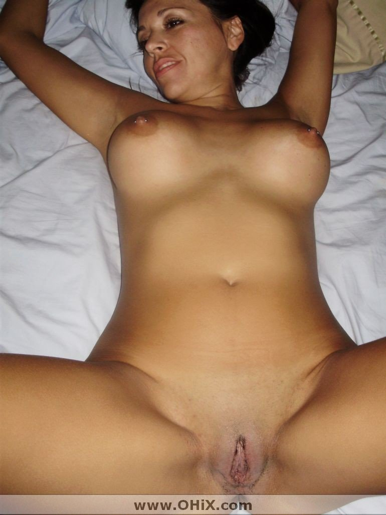 http://static.ohix.com/photos/Mature-brune-bronzee-6/34.jpg